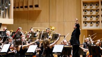 La Orquesta en Linz bajo las órdenes de Robert Treviño