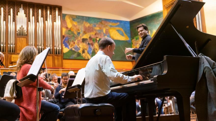 El pianista Stephen Hough nos regala su fantasía vasca en el siguiente programa de abono de la Orquesta Sinfónica de Euskadi