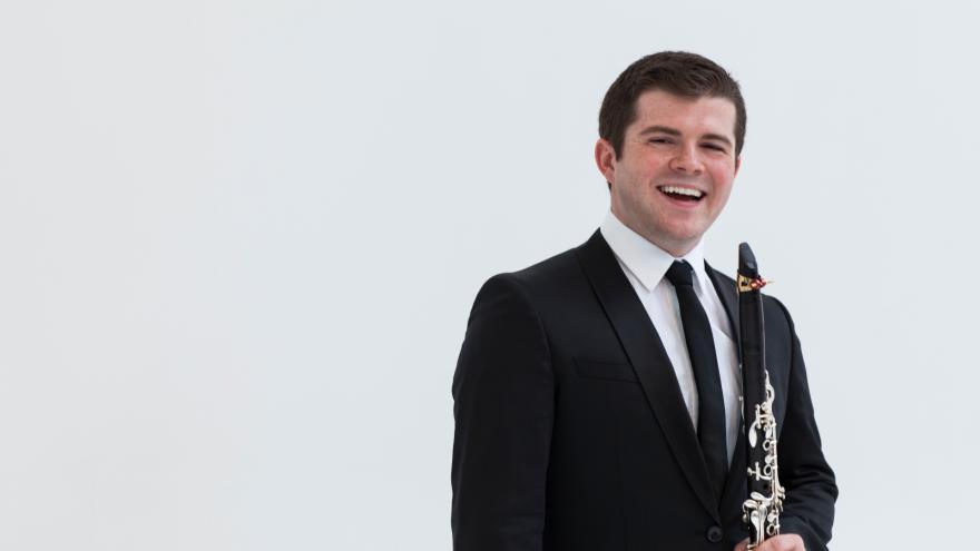 El clarinetista Julian Bliss y Ravel, protagonistas del nuevo programa de conciertos de la Orquesta de Euskadi