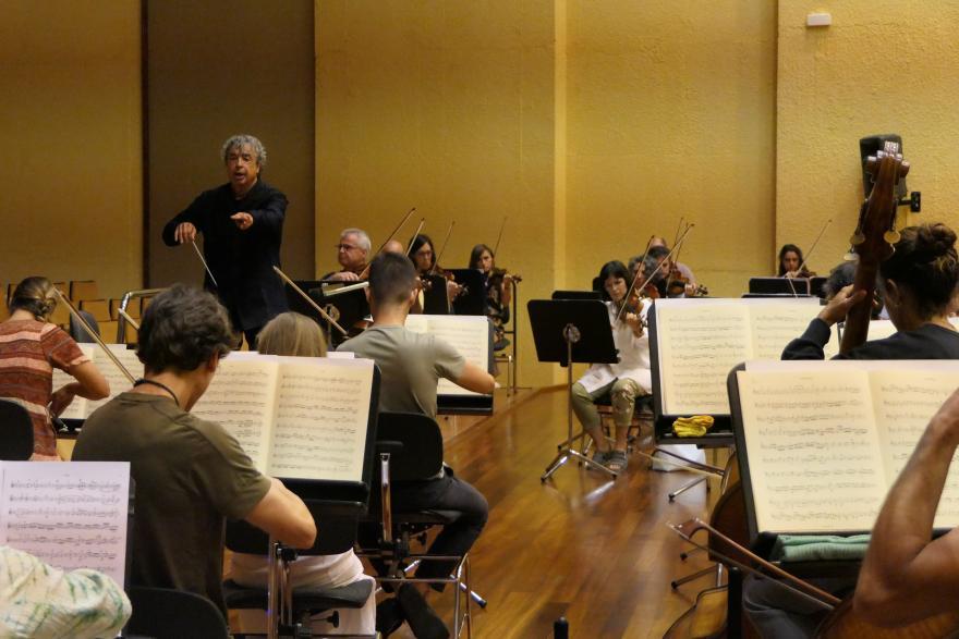 Semyon Bychkov, Juanjo Mena y Robert Treviño dirigen a Euskadiko Orkestra en agosto